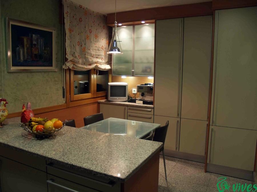 Estudio de la iluminación en cocina-comedor en Zaragoza