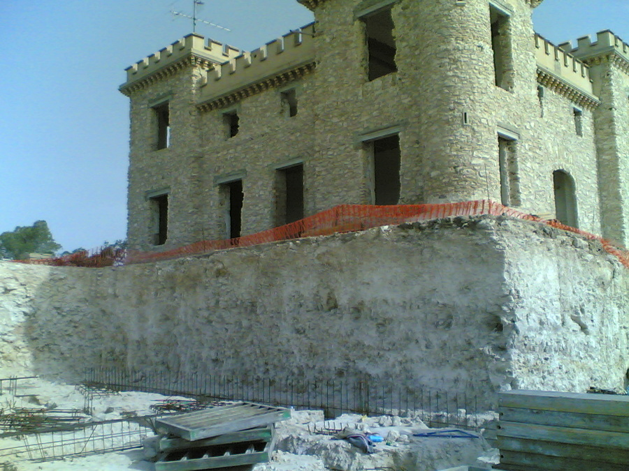 Excavacion ampliación zona piscina - gimnasio