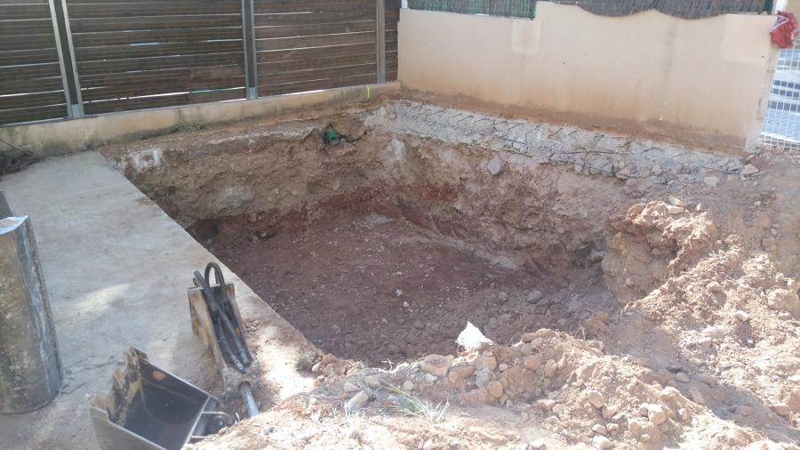 Excavación del vaso de piscina