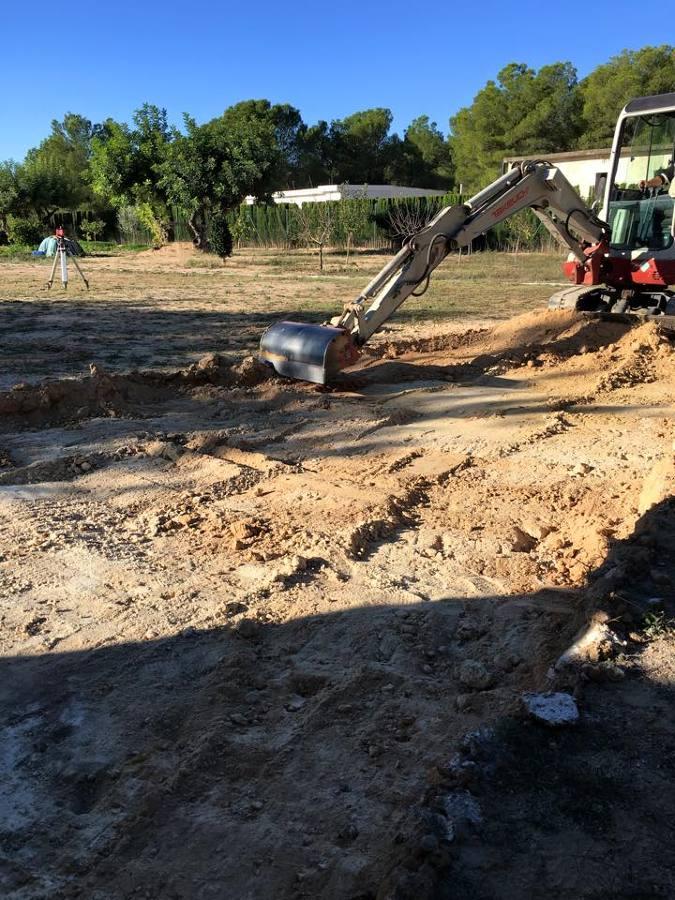 Excavación y nivelación del terreno