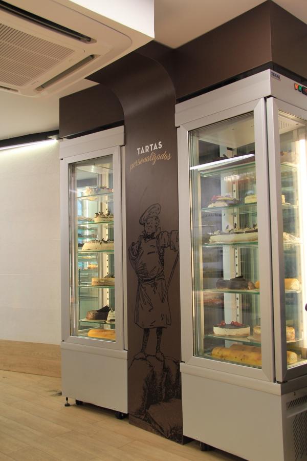 Exposicion de frigorificos integrados con el pilar