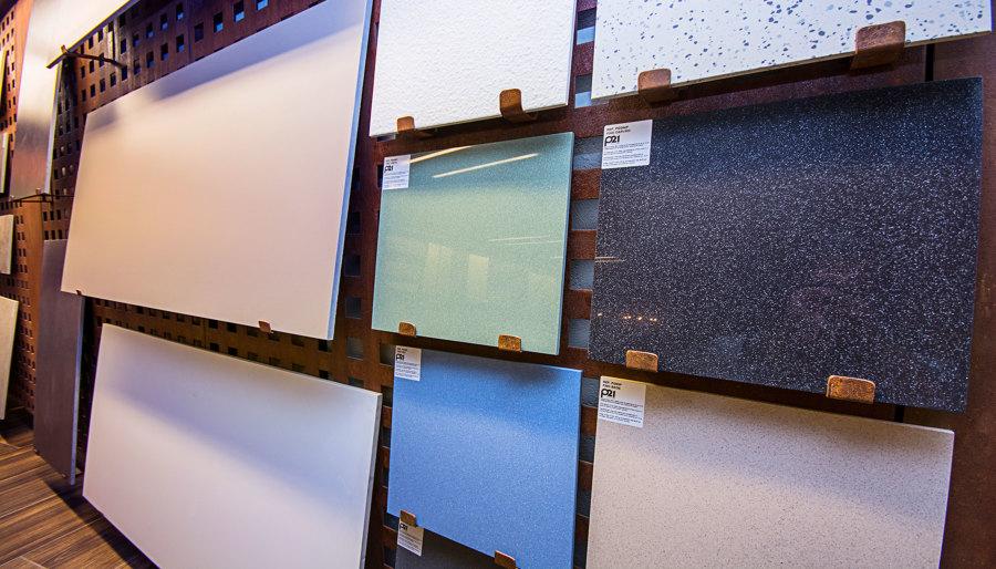 Foto expositor de cer mica a medida en acero corten de for Oficinas bbva albacete