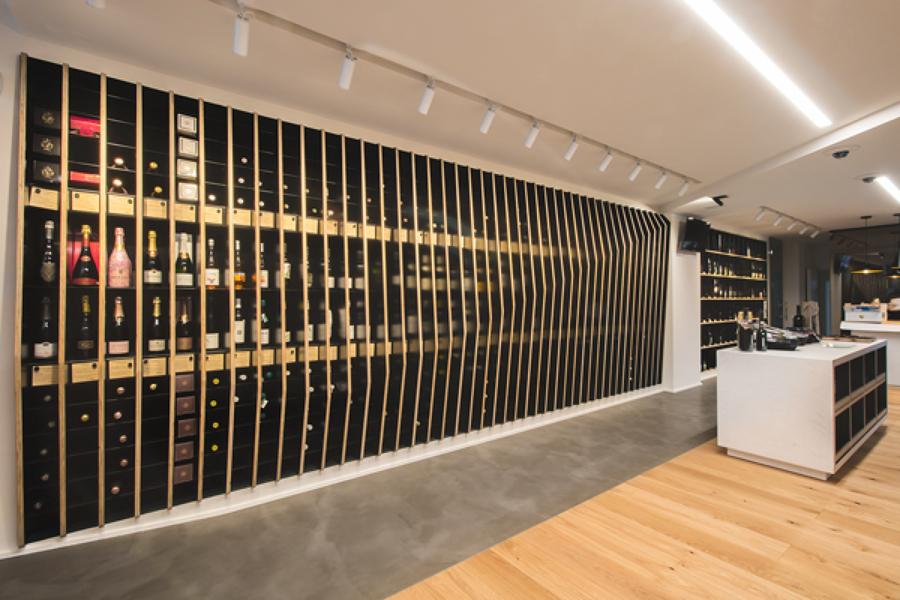 Expositor vinos