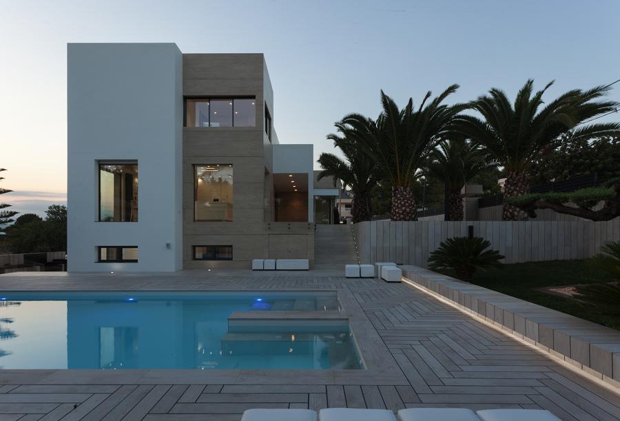 Exterior + piscina