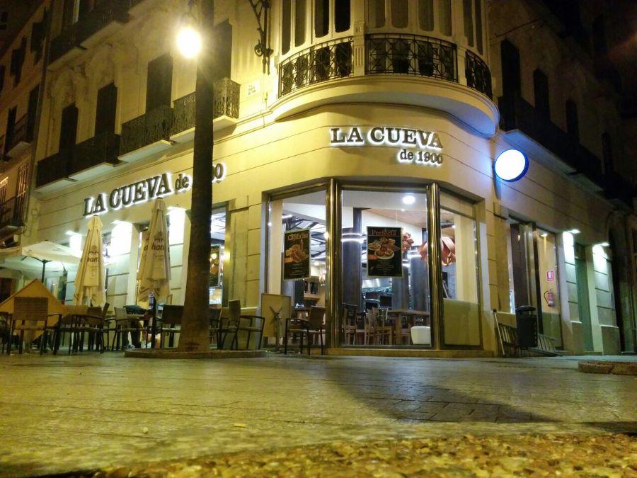 Iluminacion restaurante la cueva de 1900 ideas art culos for Restaurante la cueva zamora