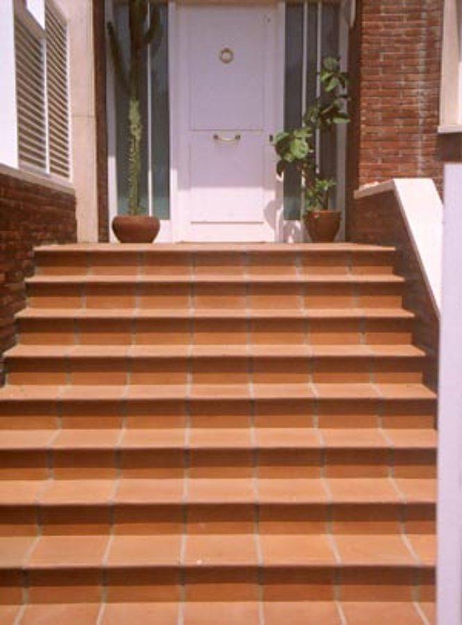 Exterior ideas materiales construcci n - Escaleras de gres ...