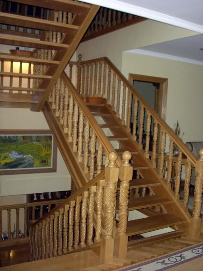 fabricacin y colocacin de escalera en madera de roble