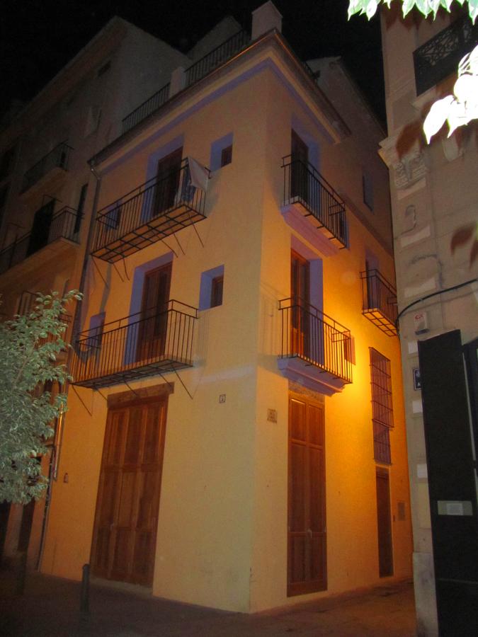 Pintado de fachada en calle avellanas en valencia ideas - Pintado de fachadas ...
