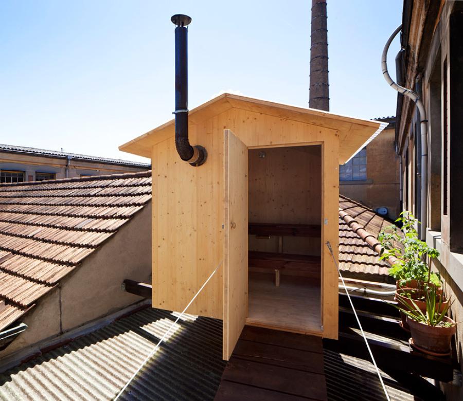 Fachada-de-la-sauna-en-el-tejado
