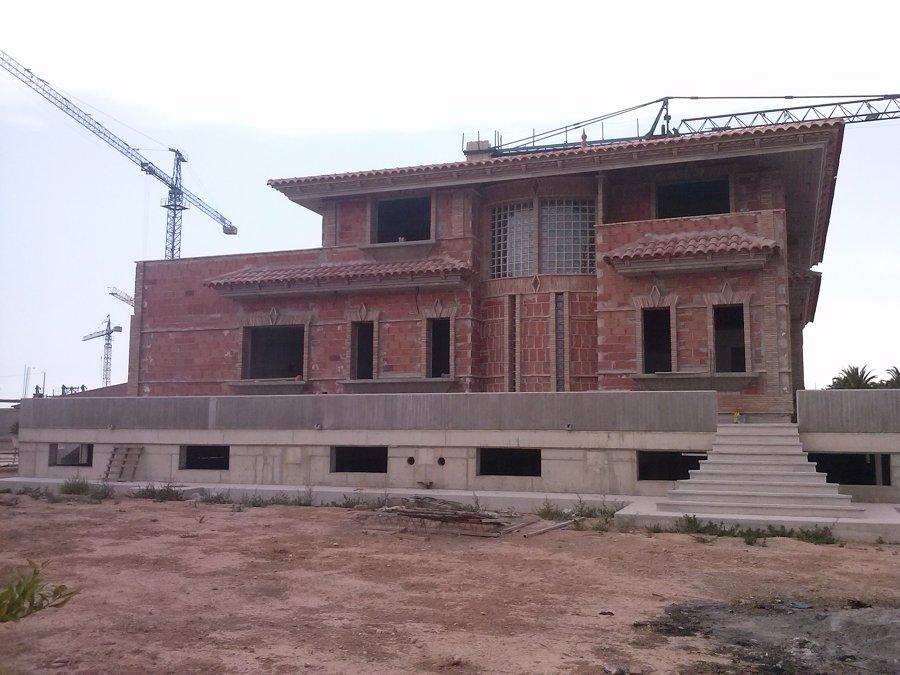 foto fachada de ladrillo visto de construcciones cesalpa
