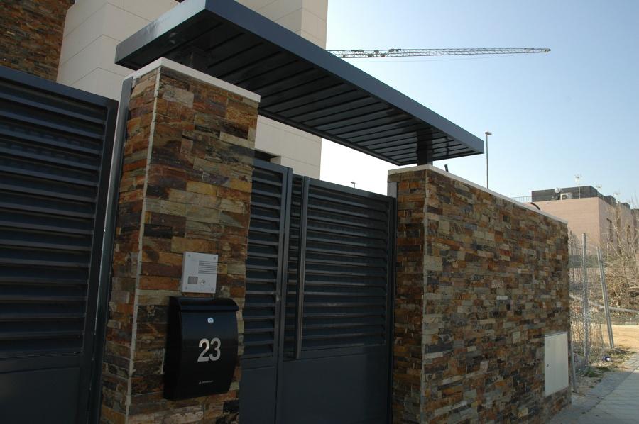 Foto fachada detalle cerramiento parcela de sac obra nueva y reforma sl 948890 habitissimo - Cerramientos de casas ...