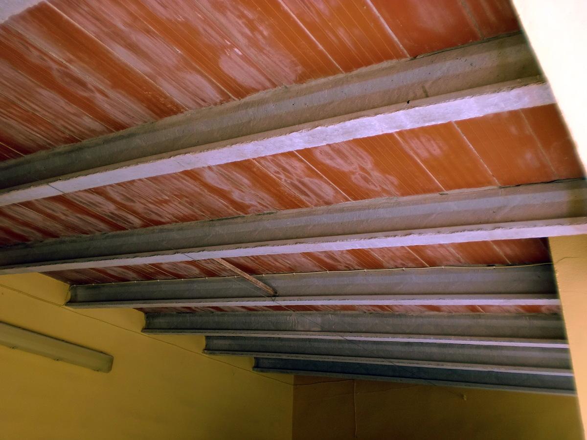 Foto fachada limpieza de piedra techo bovedilla - Como pintar un techo ...
