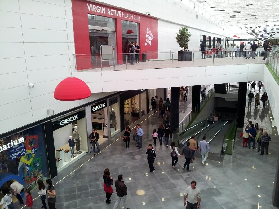 Geox respira centro comercial serrallo plaza granada - Centro comercial serrallo granada ...