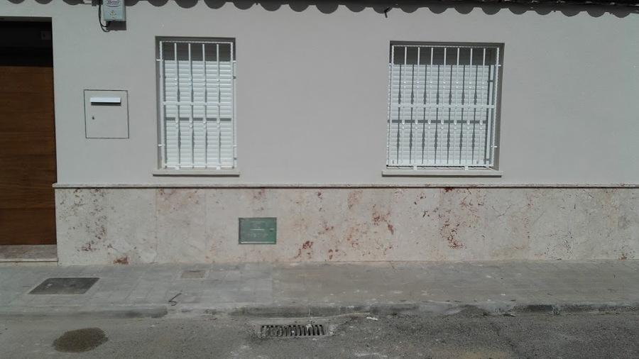 fachada pintado de rejas