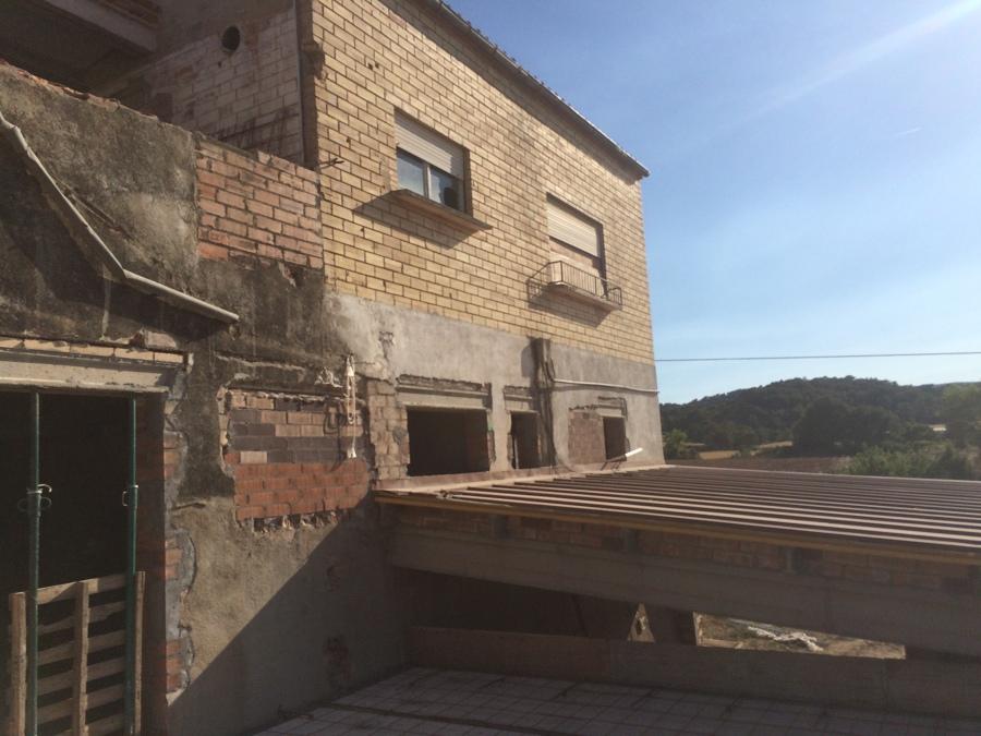 Fachada posterior en construcción