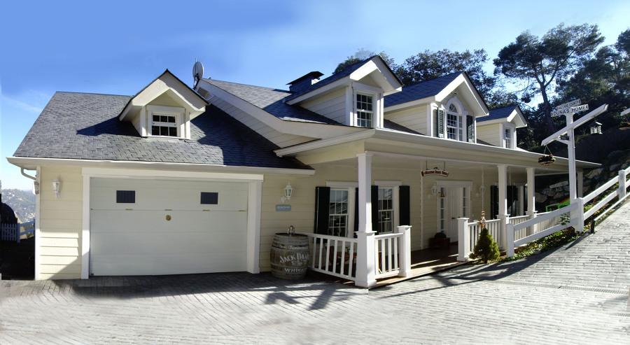 Fachada principal, casa muestra. Carpenter House