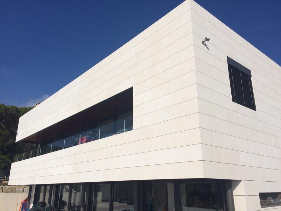Proyecto fachada ventilda caliza wwwaplacadosfecomarcom - Fachadas ventiladas de piedra ...