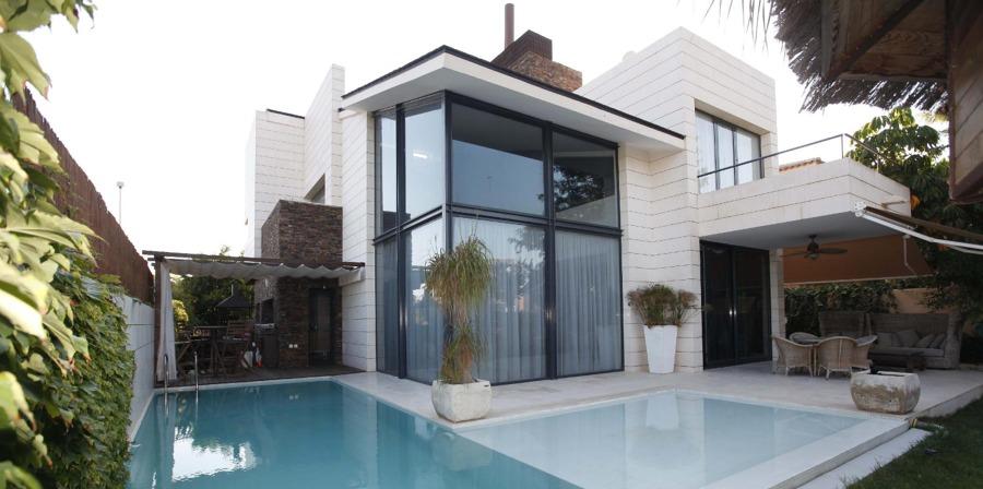 Fachada vivienda casa Carlos campo de golf de Alicante