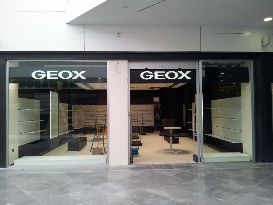 Geox respira centro comercial serrallo plaza granada - Centro comercial el serrallo ...