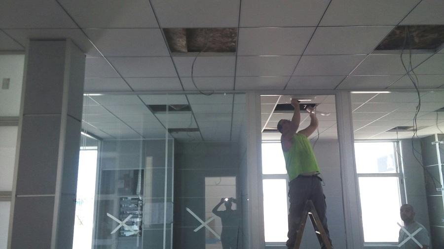 falso techo acustico oficinas