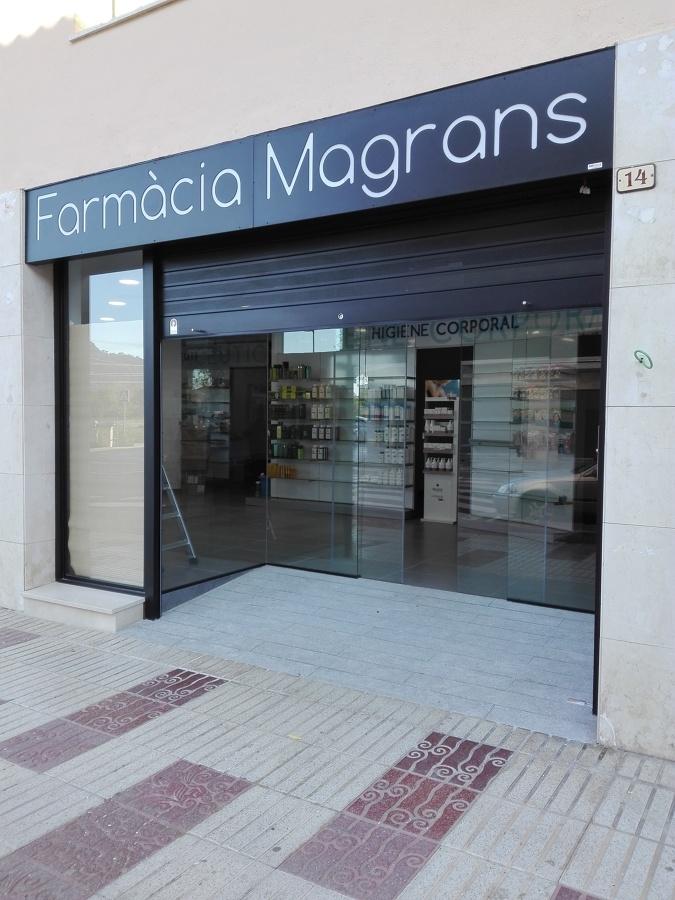 farmacia. entrada. accesos.rampa