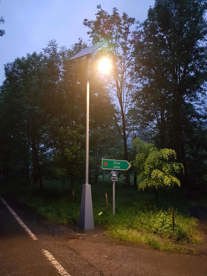 Farolas solares LED noche