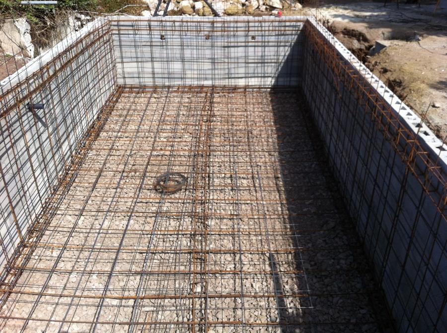 Foto ferralla de construcciones y reformas tramuntana for Piscina 8x4 profundidad