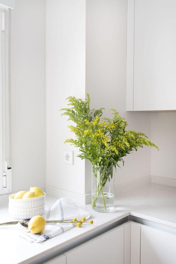 Flores silvestres en la cocina