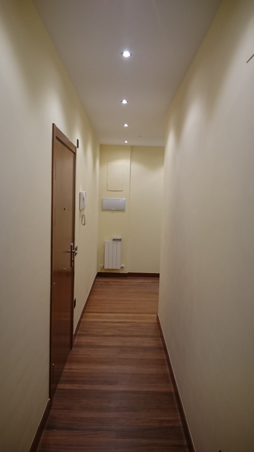 Iluminaci n completa en piso ideas electricistas - Focos pasillo ...