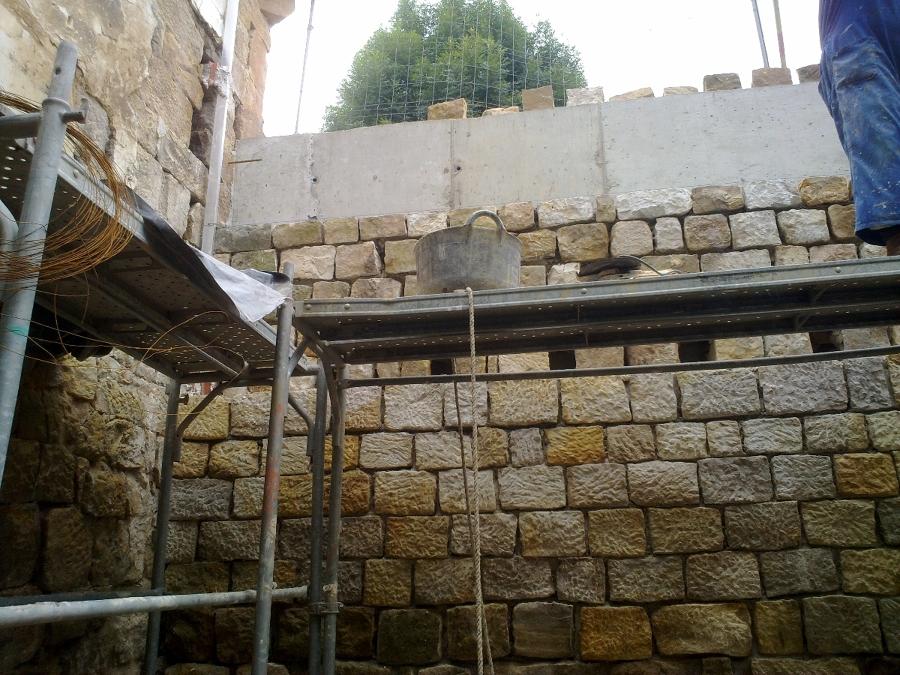 Forrado de muro con mampostería