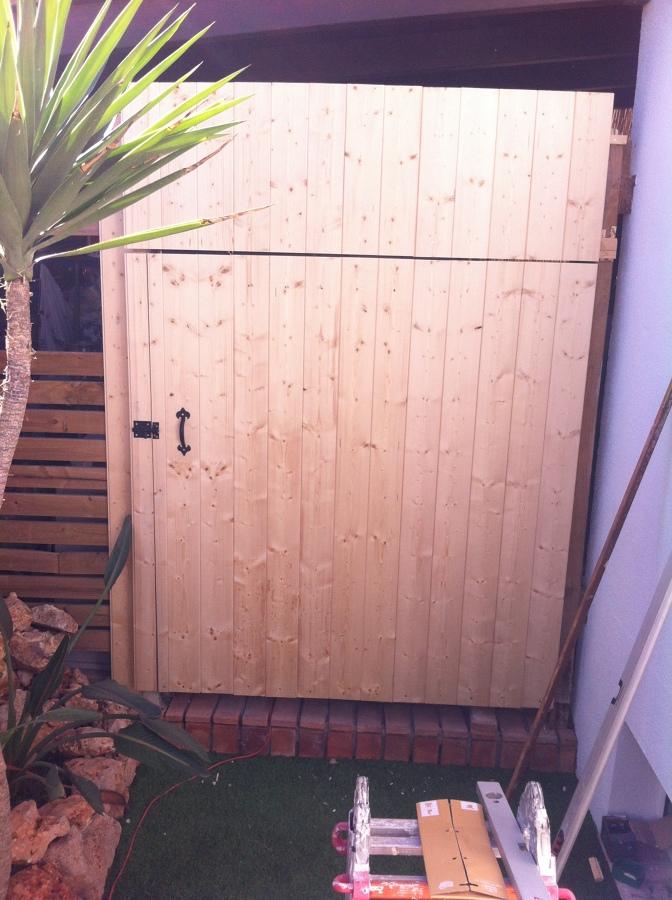 Forrado de puerta en madera