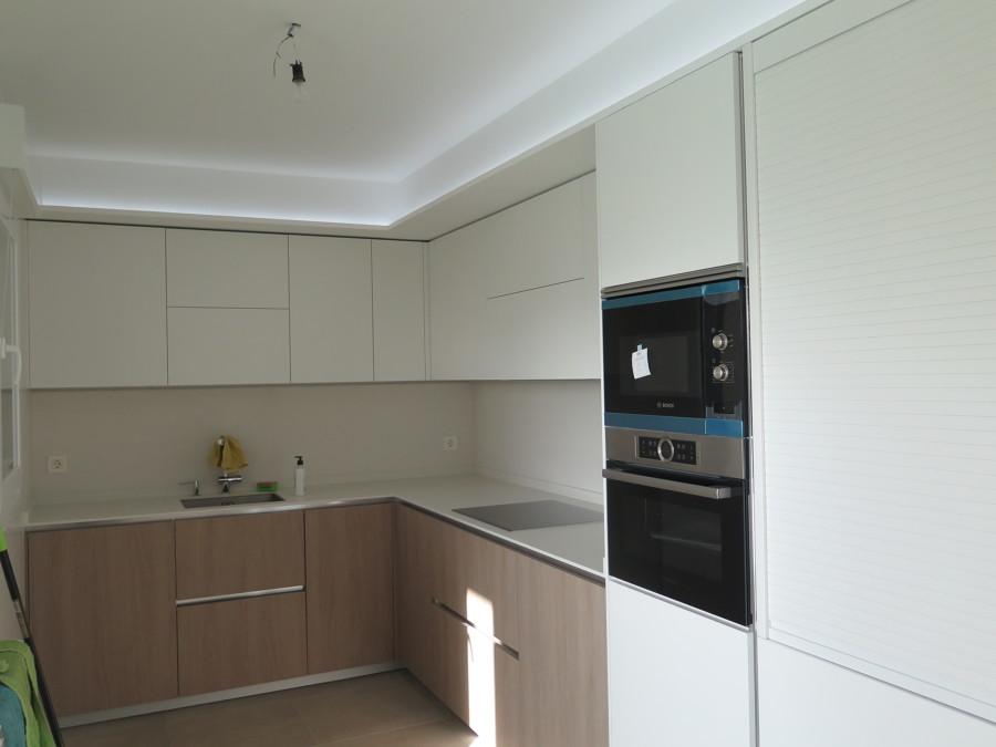 Foso de Pladur con iluminación LED en cocina.