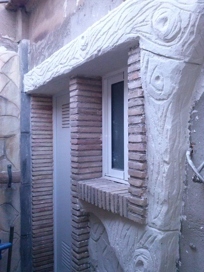 foto de viga de mortero imitando madera