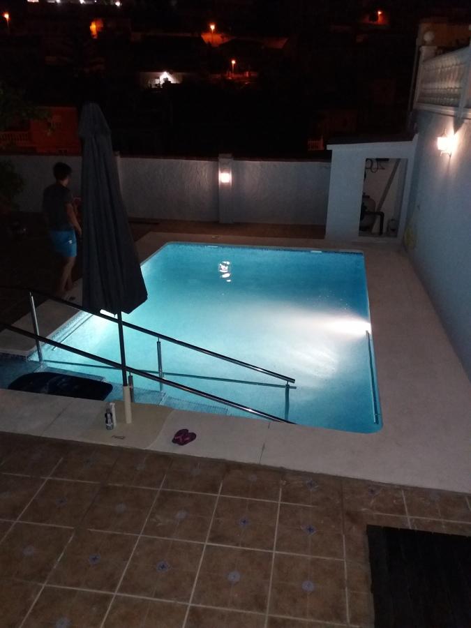 Foto piscina puesta en marcha