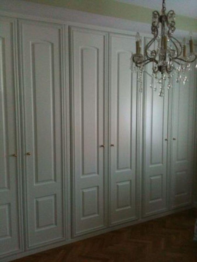 Frente de armario con puertas abatibles