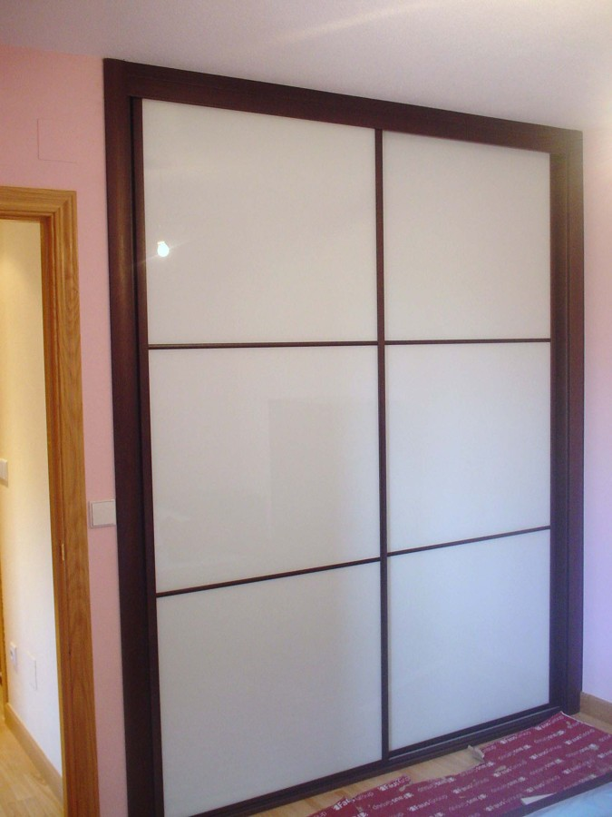 Foto frente de armario cristal lacado blanco y perfiles - Armario blanco lacado ...