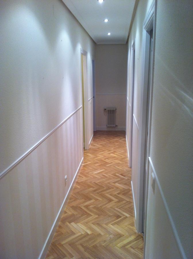 Pintura papel pintado lacado de puertas lijado y - Papel pintado para puertas ...