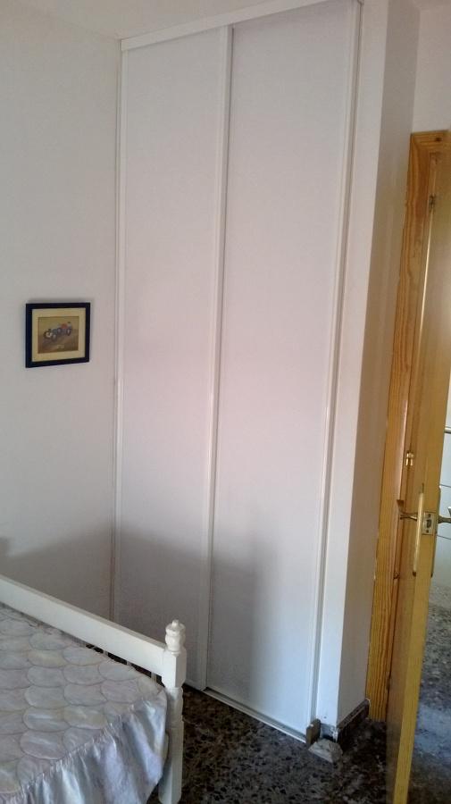 Frontales armarios con puertas correderas ideas armarios - Armarios con puerta corredera ...