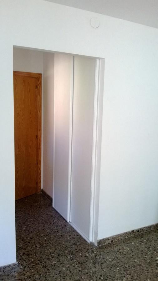 Foto frontales armarios de puerta corredera de bonada - Instalacion puerta corredera ...