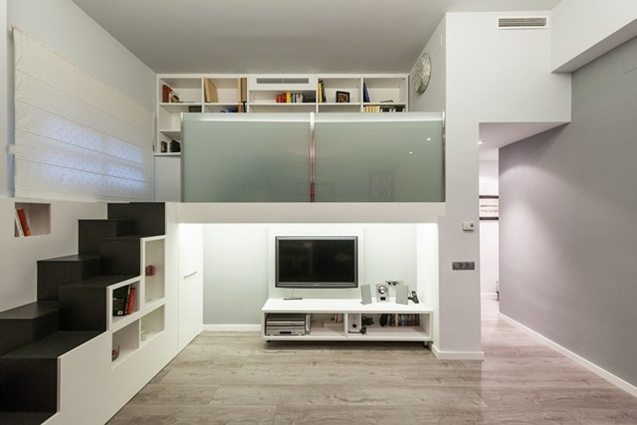 Una casa con una escalera que guarda sorpresas ideas Apartamentos con altillo