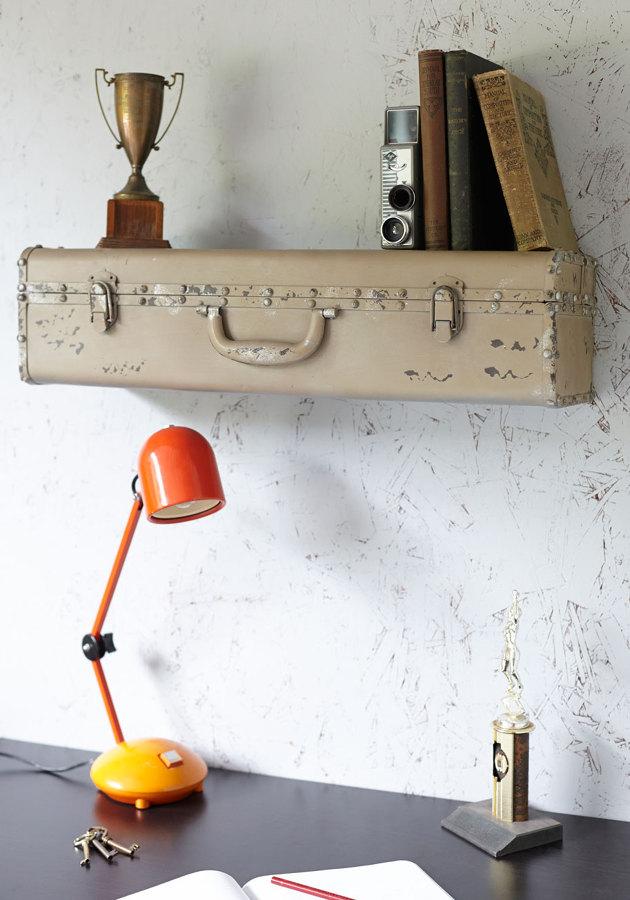 Foto una maleta antigua hecha con maletas de rox - Objetos para decorar paredes ...