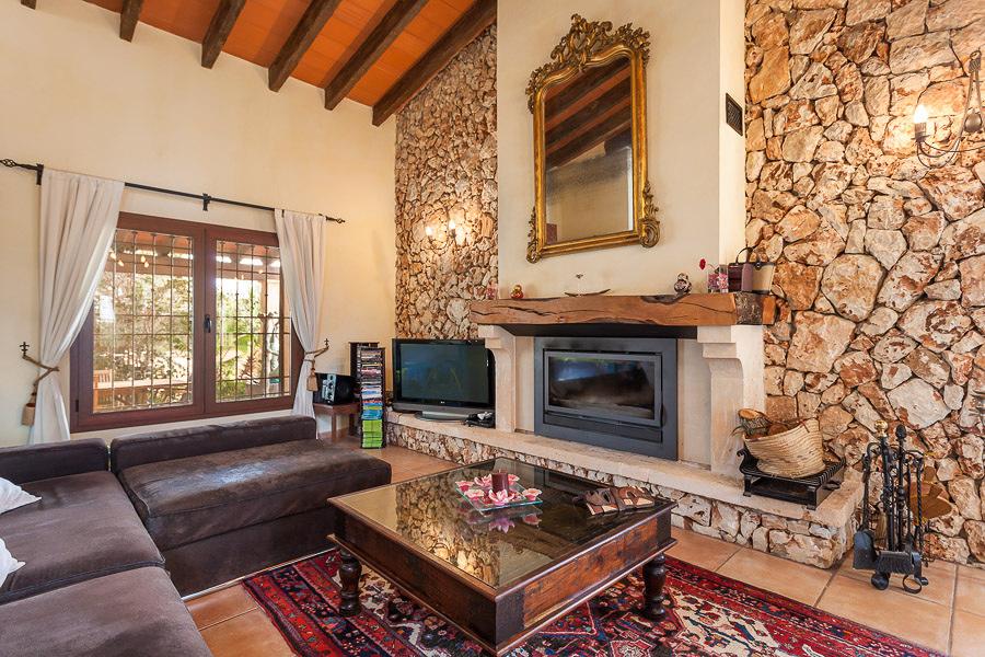 Una vivienda de dise o en madera y piedra ideas - Salones con piedra ...