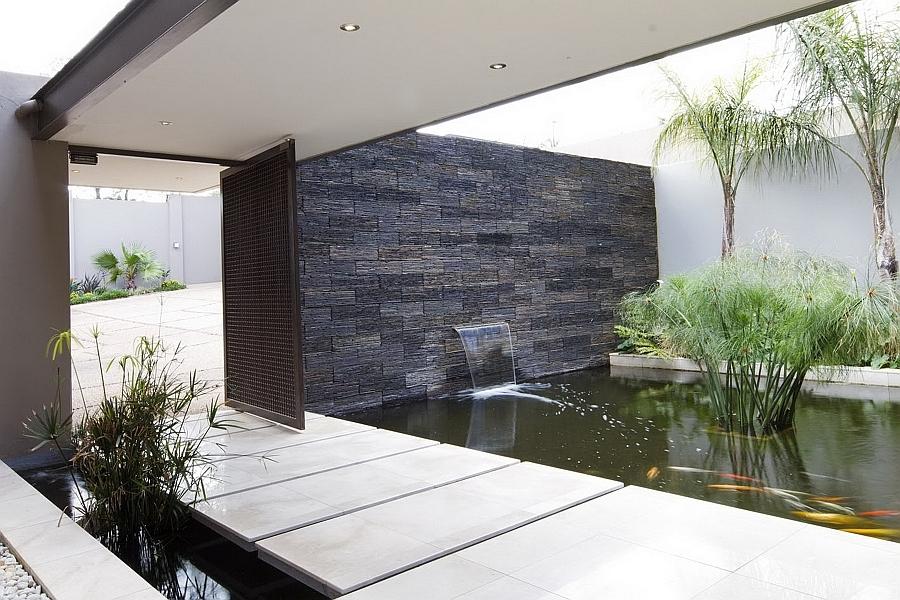 Foto fuente en pared con cascada de elenatorrente d az - Fuentes de pared modernas ...