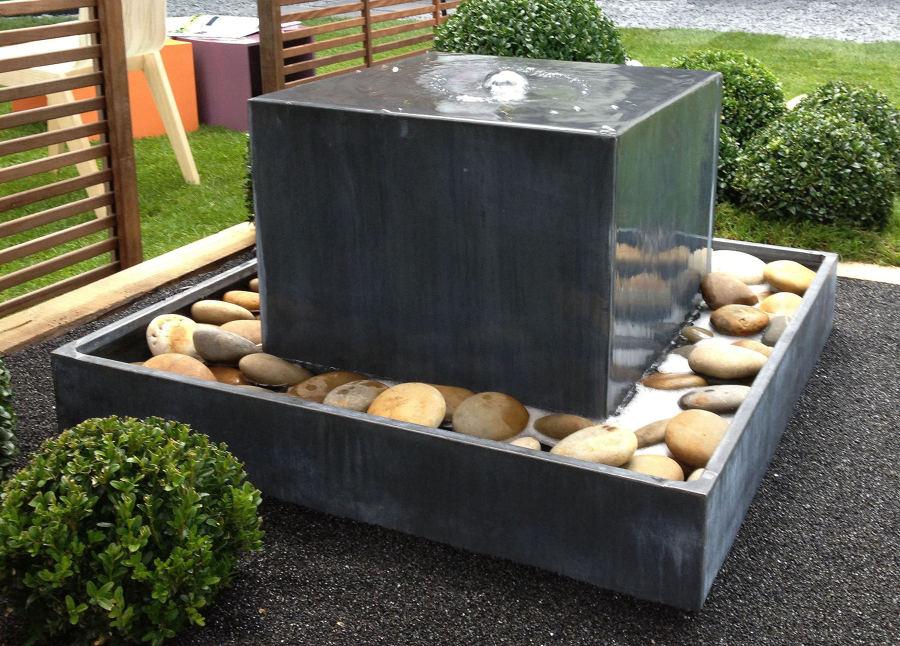 C mo limpiar la fuente de tu jard n ideas limpieza - Fuentes minimalistas para jardin ...