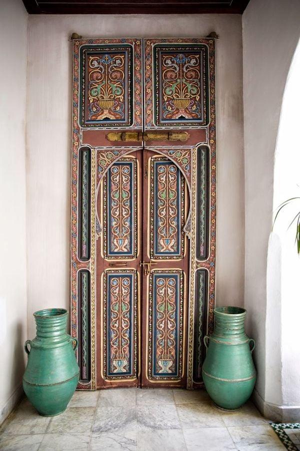 Puerta con estampados árabes