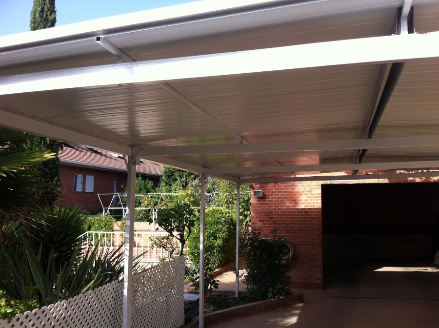 Cubricion de garaje con panel sandwich ideas for Panel sandwich aluminio blanco