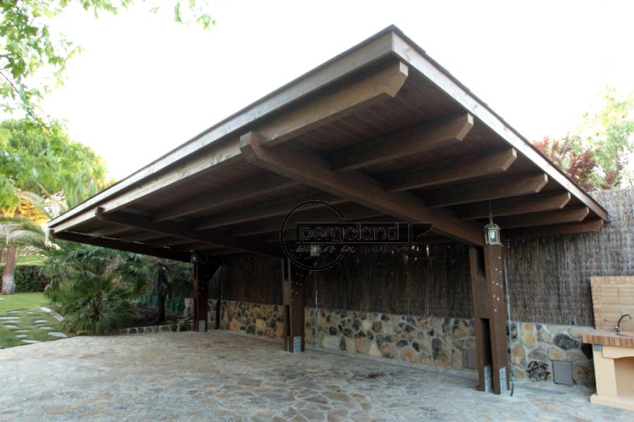 Foto garaje de madera de pergoland s l 464573 habitissimo - Garaje de madera ...