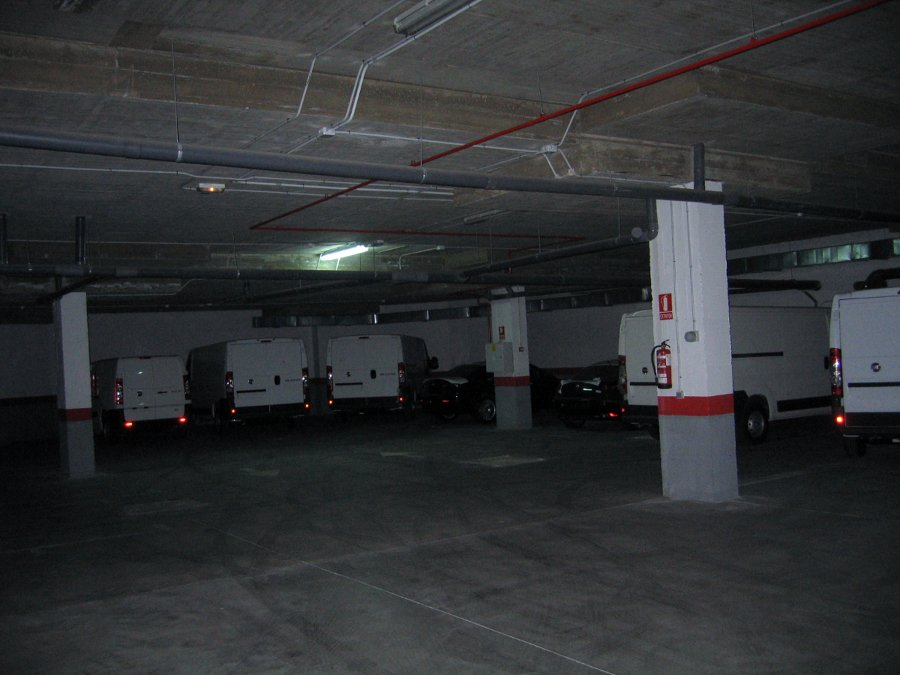 Garaje del complejo comercial