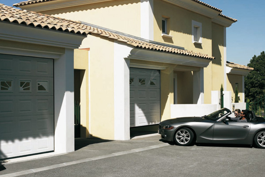 Aspectos importantes para elegir una puerta de garaje for Compra de garaje