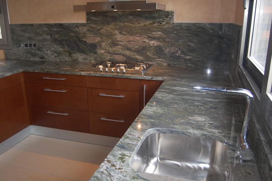 Foto granito importacion de marbres nou iluro s l for Granito importacion encimeras